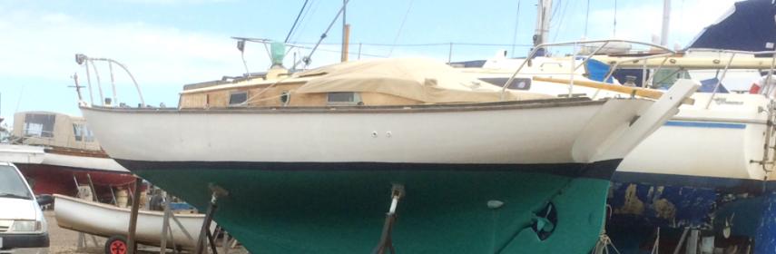 Folk boat Parhams 1960, Classic carvel wooden Bermudan Sloop