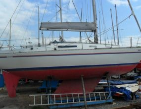 Sadler 32 ft GRP Shallow Fin Bermudan Sloop, 1986