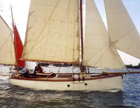 27ft Gaff Yawl, lines of a Falmouth Quay punt