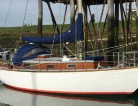 28ft Bermudan Sloop Holman Sterling classic wooden