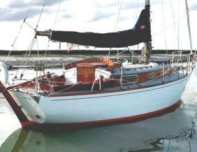 Sterling 28  Holman, classic wooden