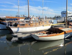 31ft Miss Silver Motorsailer ketch rigged, a cosmetic project.