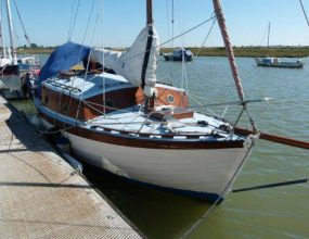 22ft Dauntless, clinker Bermudan Cutter