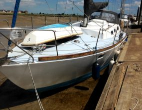 Steel Bermudan Sloop 33ft Tucker Marine, shallow fin.