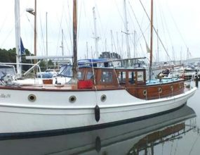 37ft Classic Twin screw motor vessel, Admiralty Pinnace