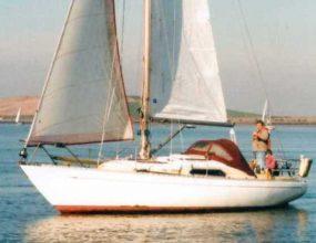 Van de Stadt Pioneer 10 GRP Cruiser Racer fin keeled Bermudan sloop