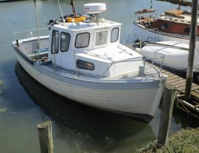 24ft Clinker wooden Fishing motor boat