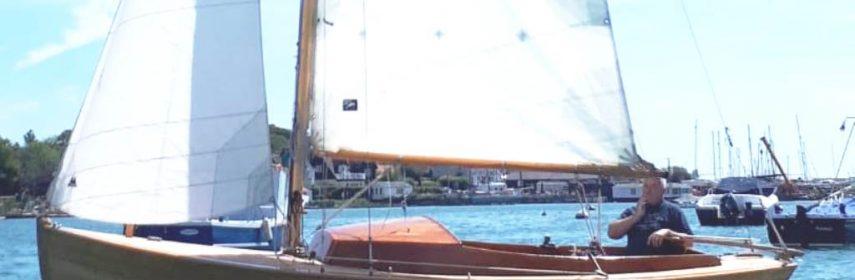 J18 Classic Scandinavian wooden 3/4 decked day boat