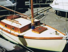 18ft Classic wooden Blackwater Bermudan Sloop, 1936