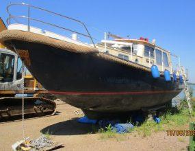 ValkVlet 1190, 1980 Dutch steel river motor cruiser.